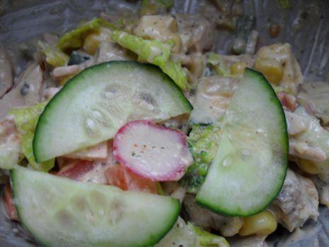 Przepis: Sałatka z kotlecikami mielonymi (wieprzowymi)
