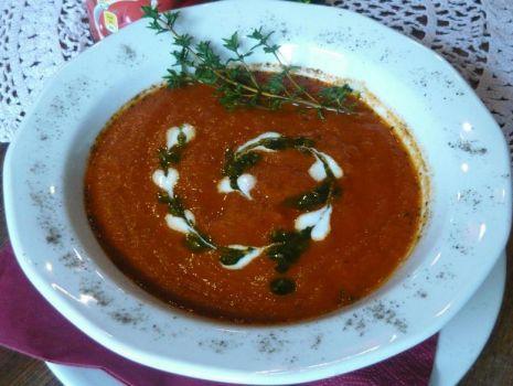 Przepis: Krem pomidorowy z nutką chilli i słodyczy...