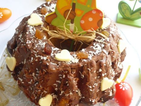 Przepis: Drożdżowa baba z czekoladą