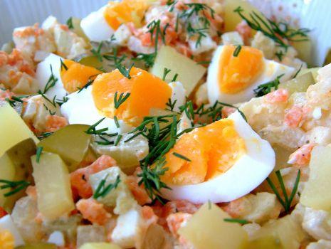 Przepis: Wielkanocna sałatka ziemniaczana