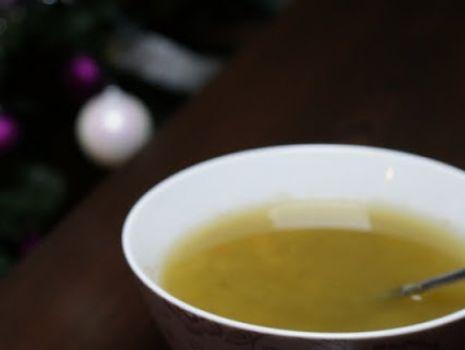 Przepis: Zupa ogórkowa z białą kaszą gryczaną