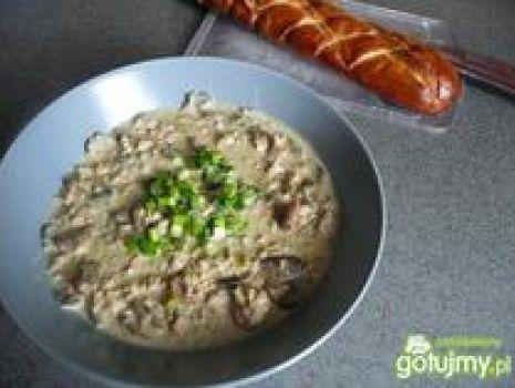 Przepis: Zupa serowa z miesem mielonym