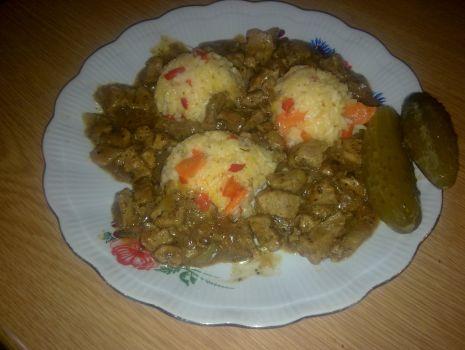 Przepis: Ryż z mięsem wieprzowym