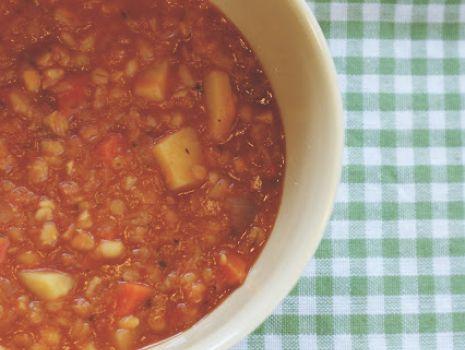 Przepis: Zupa z soczewicą i pęczakiem