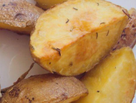 Przepis: Tymiankowo - rozmarynowe ziemniaki
