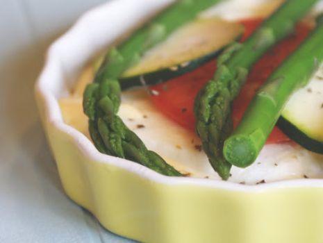 Przepis: Mini tarty ze szparagami i mozarellą