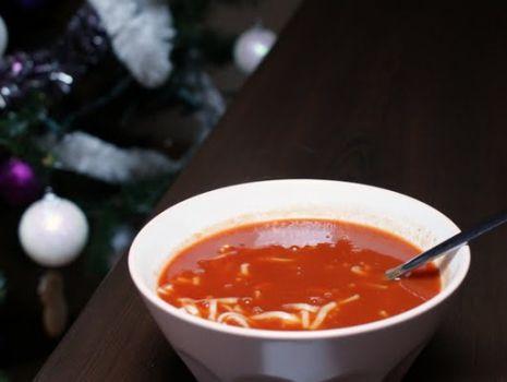 Przepis: Zupa pomidorowa na wędzonce