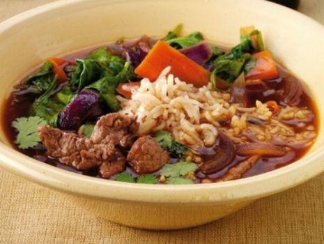 Przepis: Gulasz wołowy z chilli i sosem sojowym