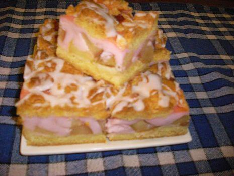 Przepis: Ciasto z budyniem i jablkami
