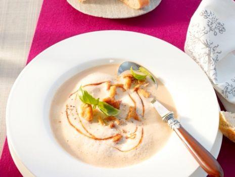 Przepis: Zupa krem z ziemniaków, grzybów i sosem sojowym