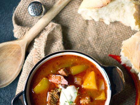 Przepis: Węgierska zupa gulaszowa