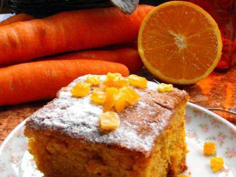Przepis: Ciasto marchewkowo-pomarańczowe