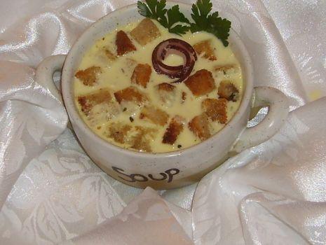 Przepis: Zupa serowa z winem