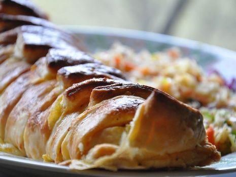 Przepis: Kurczak w cieście francuskim
