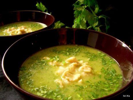 Przepis: Zielona zupina z cementowymi kluskami