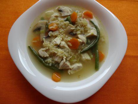 Przepis: Zupa z kurczakiem i ryżem