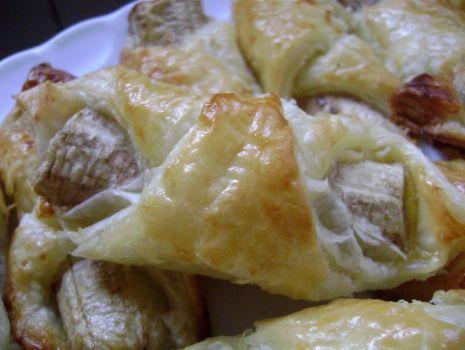 Przepis: Ciasto francuskie z bananami