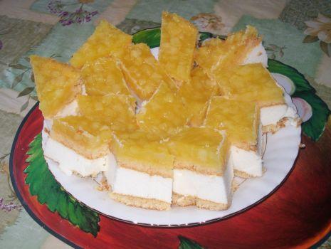 Przepis: Sernik na zimno z jabłkami:)