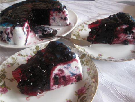 Przepis: Sernik na zimno z jagodami
