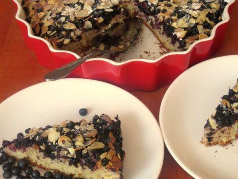 Przepis: Ciasto drożdżowe z jagodami i migdałami