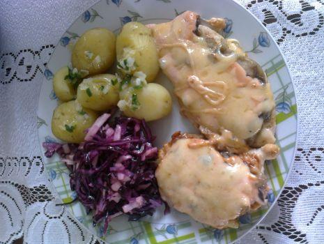 Przepis: Filet z kurczaka zapiekany z pieczarkami