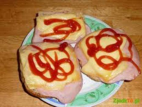 Przepis: zapiekanki z chleba z szynką i serem