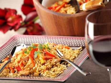 Przepis: Risotto makaronowe z kurczakiem i warzywami