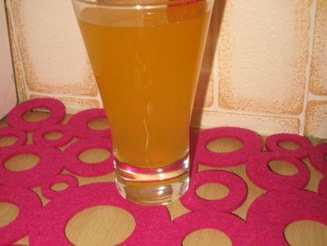 Przepis: Napój pomarańczowo-marchwiowy