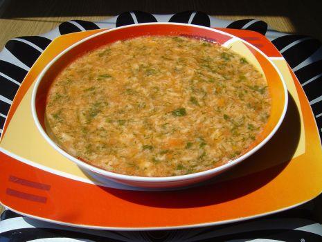 Przepis: Zupa Pomidorowa z Roztrzepanym Jajkiem