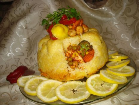 Przepis: Wielkanocna   babka   z   ryżem  i  farszem drobiowo- warzywnym