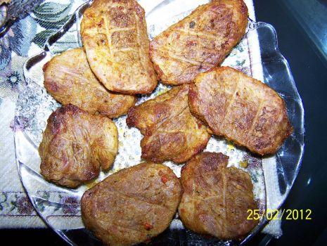Przepis: Delikatne steki z grilla