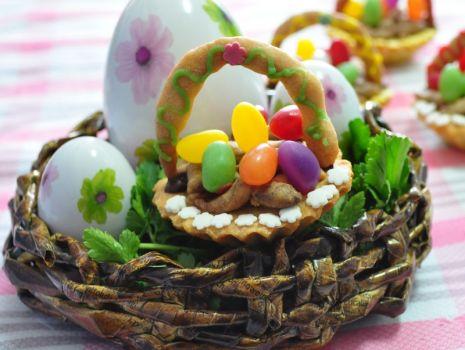 Przepis: Wielkanocne koszyczki z pisankami