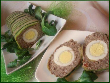 Przepis: Pasztet w plastrach cukinii faszerowany jajkiem