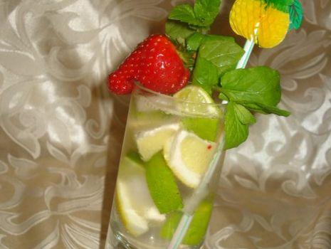 Przepis: Drink wiosenne witaminki