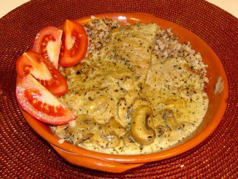 Przepis: Sznycle wieprzowe w grzybowo-śmietanowym sosie