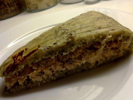 Przepis: Rolada ziemniaczana z łososiem.