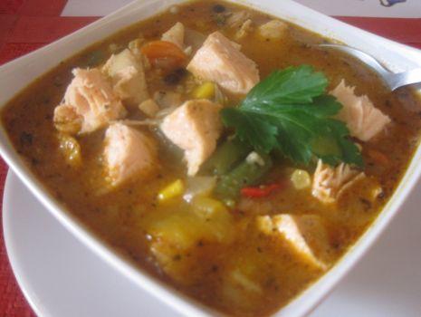 Przepis: Pikantna zupa rybna z ryb mieszanych i warzyw