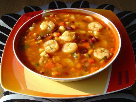Przepis: Meksykańska Zupa z Krewetkami i Fasolą