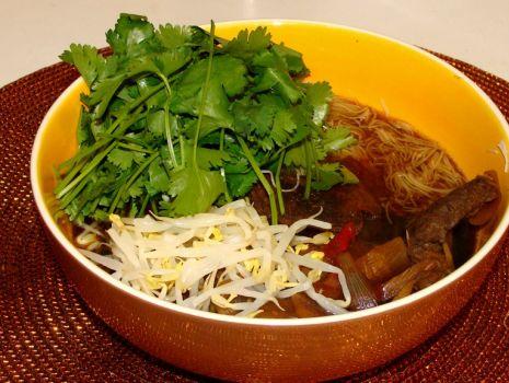 Przepis: Wietnamska zupa wołowa -  Pho