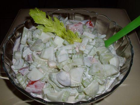 Przepis: Sałatka z selera naciowego
