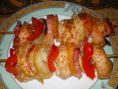 Przepis: Szaszłyki z kurczaka i papryki