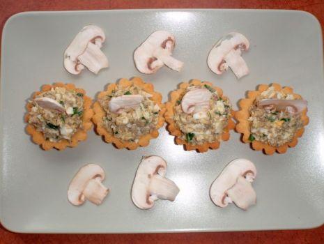 Przepis: Babeczki nadziewane pastą pieczarkową i łososiową