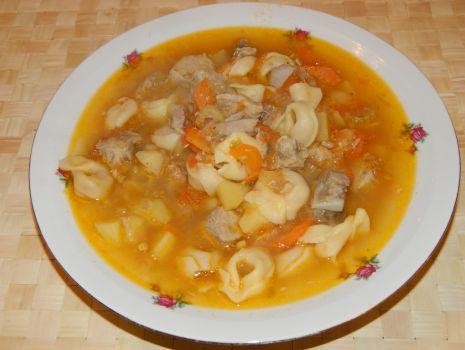 Przepis: Zupa Tortellini na żeberkach