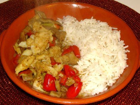 Przepis: Curry z pangi i boczniaka
