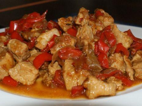 Przepis: gulasz wieprzowy z papryką