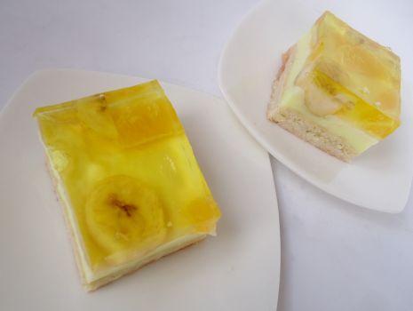 Przepis: Owocowe ciasto z galaretką