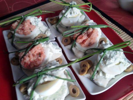 Przepis: Jajka faszerowane na śledziu