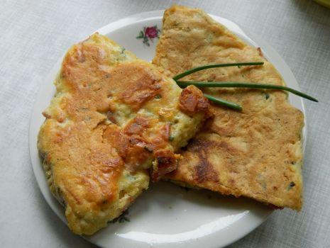 Przepis: Omlet z serem i szynką