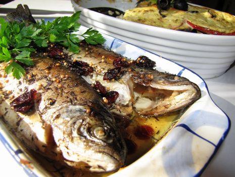Przepis: Ryby z tymiankiem i żurawiną