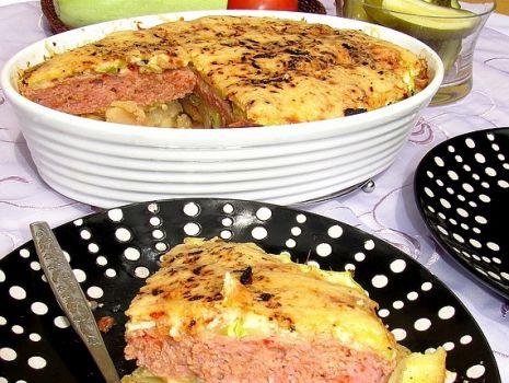 Przepis: Zapiekanka z cukinią i suszonymi pomidorami
